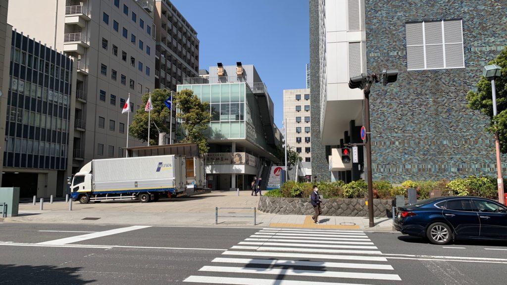 神奈川県庁新庁舎-本庁舎間の道路
